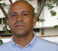 O professor Sidney <b>Luiz de Matos</b> Mello recebeu 49 votos, o professor Bruno <b>...</b> - sidney-mello-02