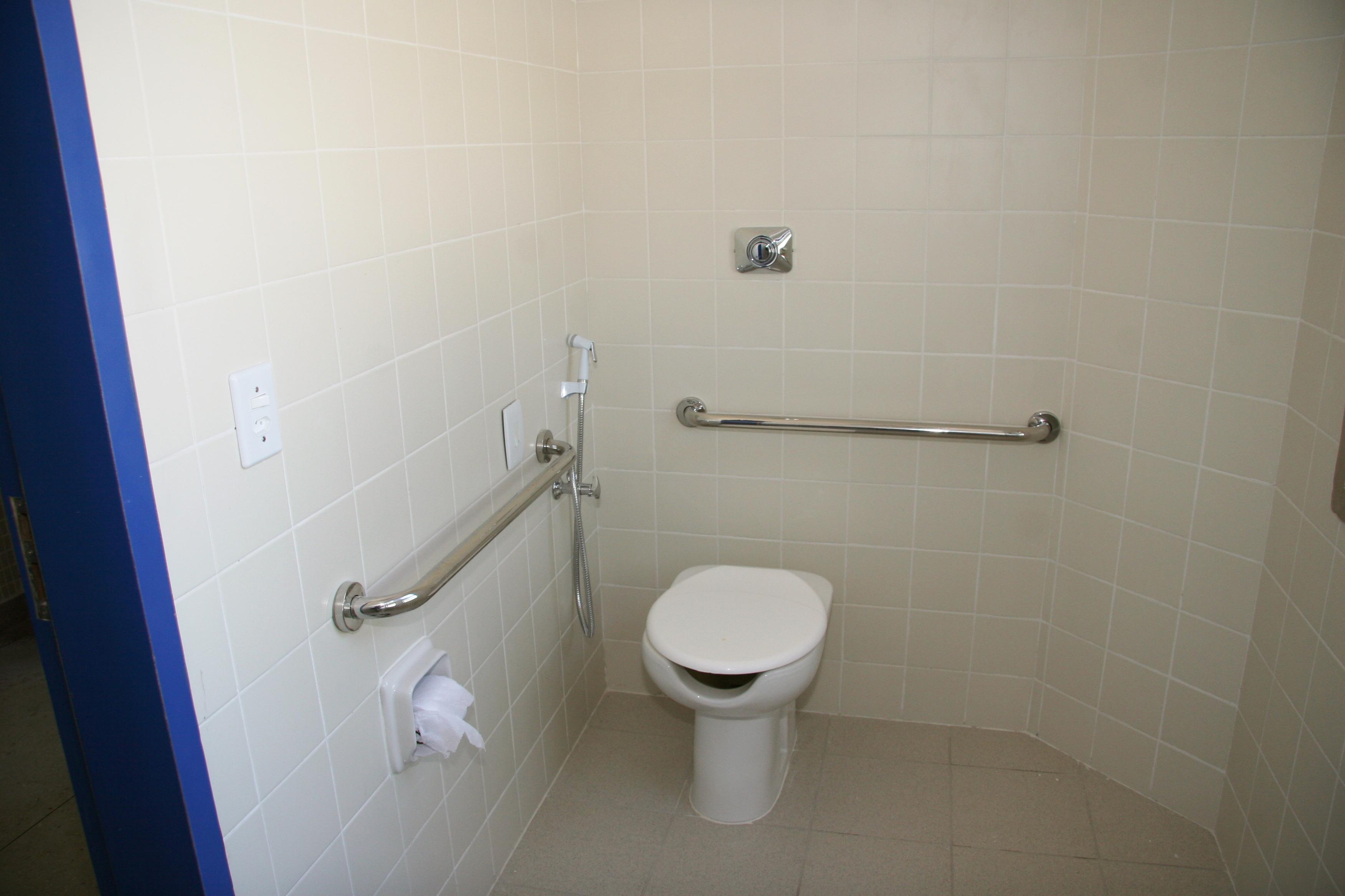 UFF Notícias Superintendência de Comunicação Social (SCS) #2C448D 3504x2336 Banheiro Acessibilidade Bloco Cad